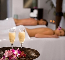 Couples-massage-champagne