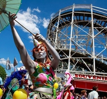 Coney-island-mermaid-parade