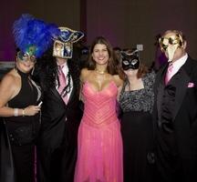 Masquerade-gala-queens