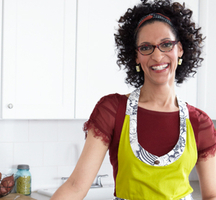 Carla-hall-top-chef-chew-thanksgiving-spry